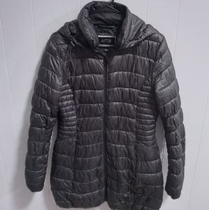 A.P.T. Puffer Coat. Small